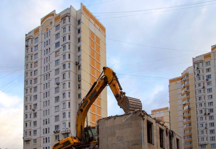 Снос дома по реновации в Москве